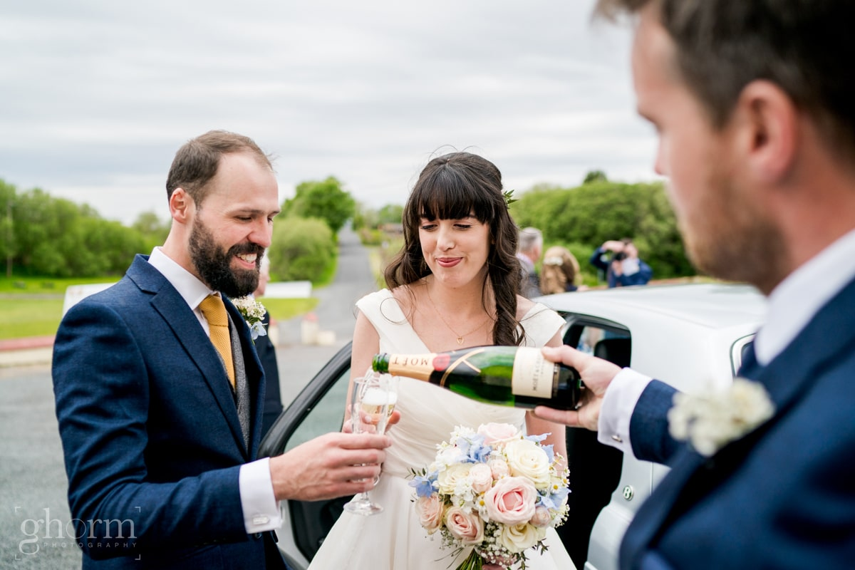 Harveys Point hotel Wedding, Paul McGinty Ghorm Studio Photography, spring wedding, champagne