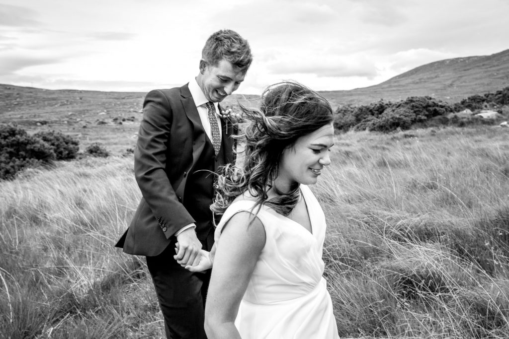 A black and white photo of a bride and groom in Dunlewy, Co Donegal. Photography by Paul McGinty, Ghorm Studio Photography