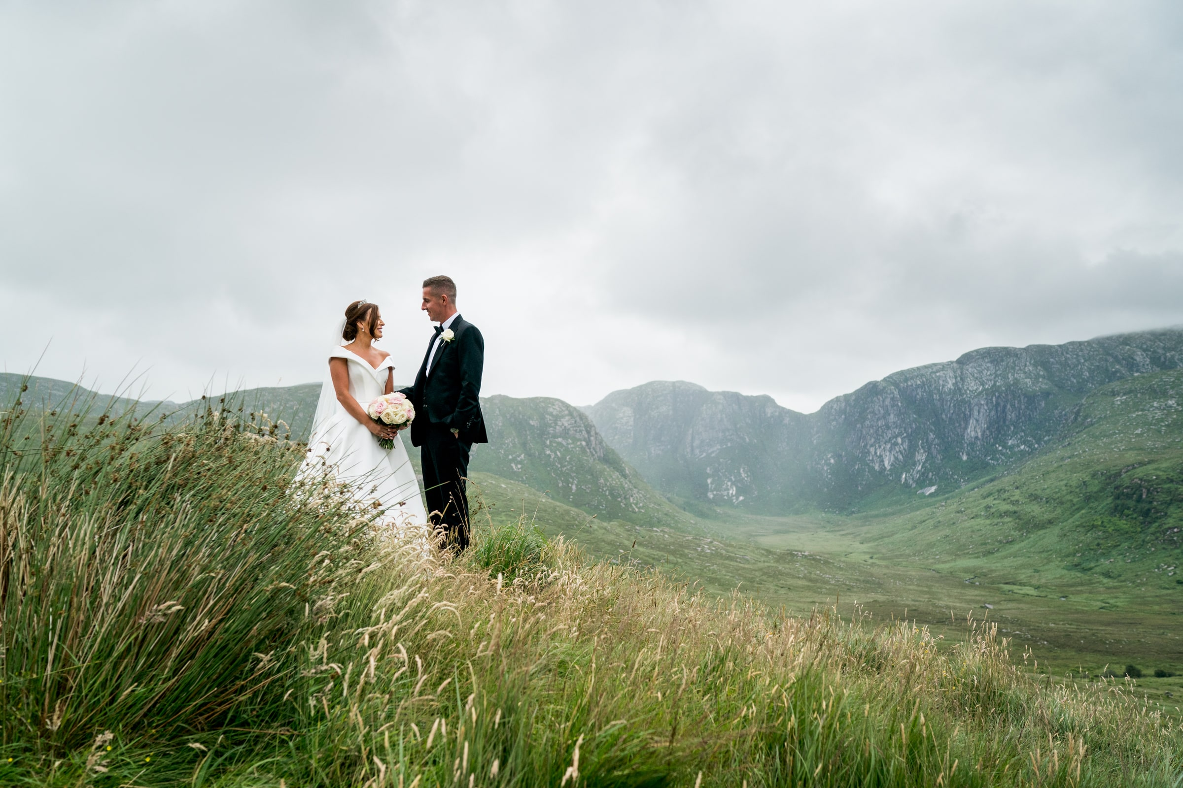 silver Tassie hotel wedding, donegal wedding venue, photographer donegal, bride and groom in the Poisoned Glen